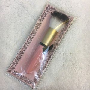 Too Faced Powder Brush